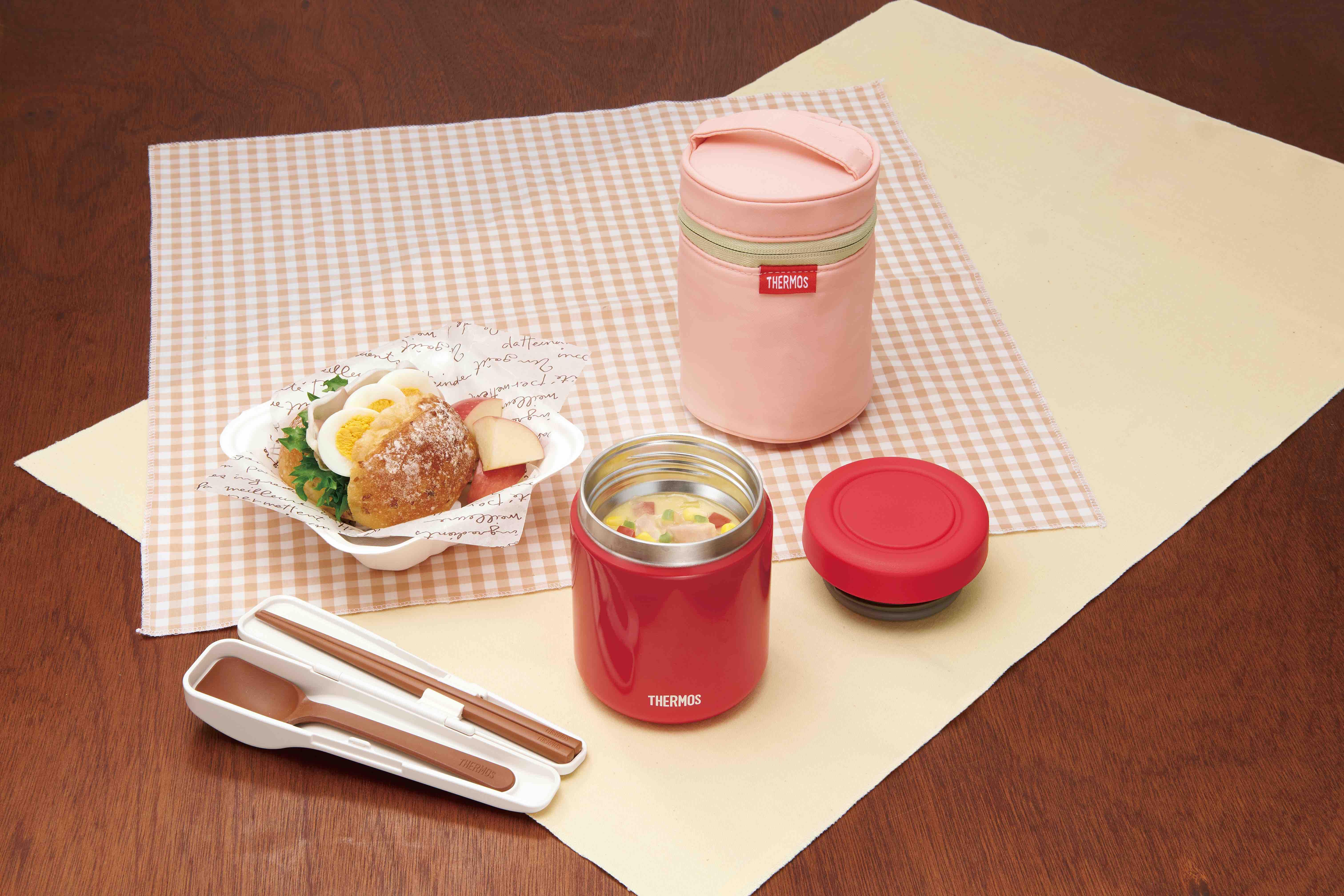 *スープジャーは、飲み物だけでなく「温かい食事」を運ぶという新たな価値を提供しています。